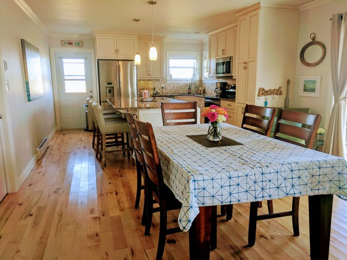 Dining and kitchen in Ginger Hill Cottage